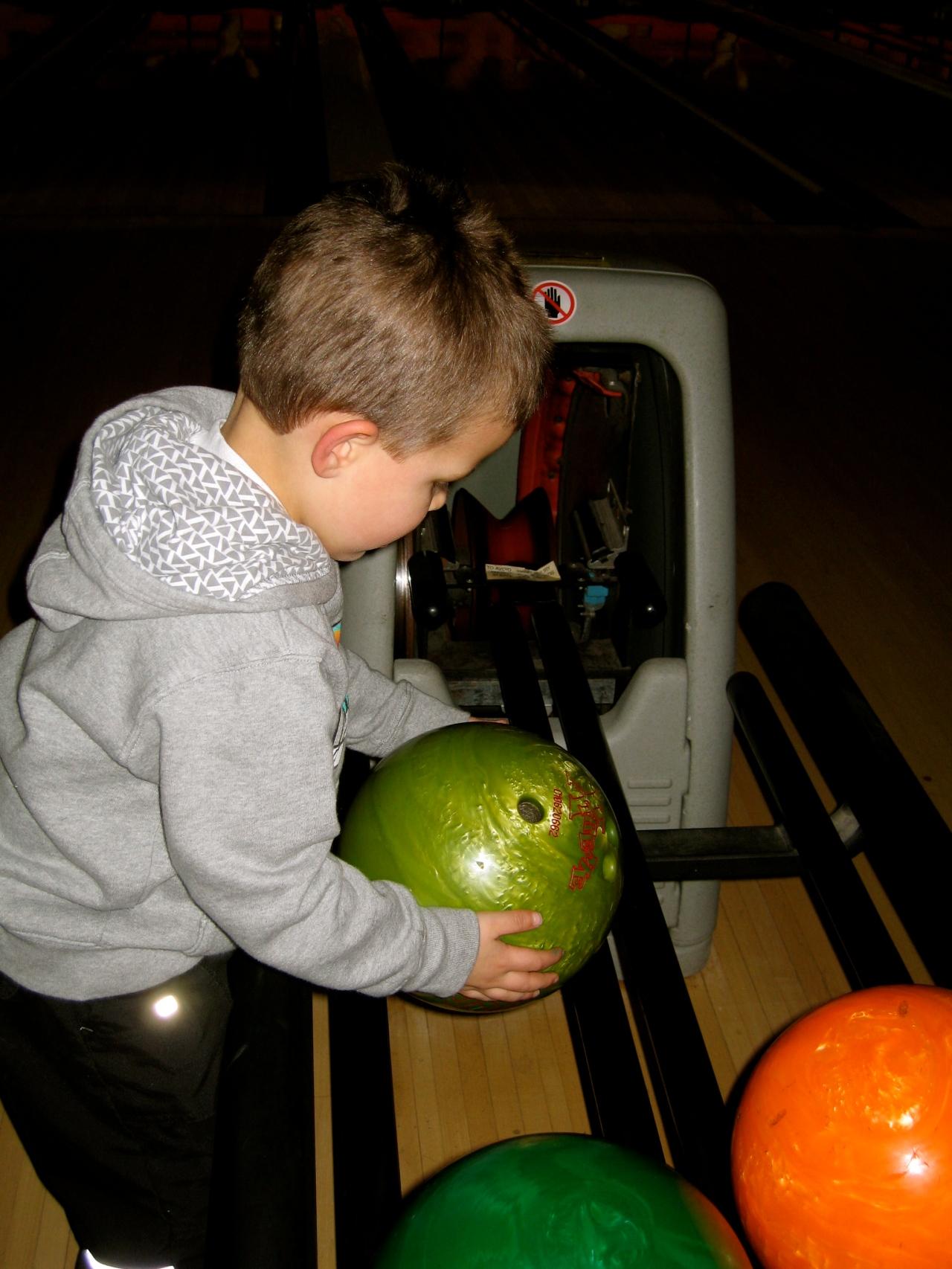 Punky bowling AGAIN!