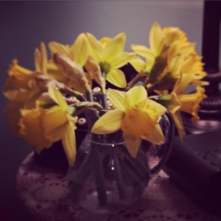 My mom always leaves fresh flowers on my nightstand when I come home. Love these little traditions!